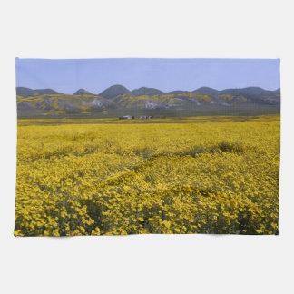 Linge De Cuisine Paysage jaune de champ de fleur sauvage