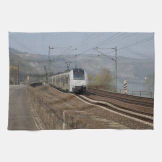 Linge De Cuisine Train des personnes dans les Niederheimbach