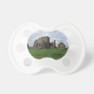 L'Irlandais d'abbaye de l'Irlande Hore ruine la Sucette Pour Bébé