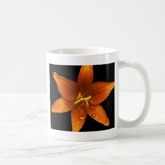 Lis vibrant orange mug blanc