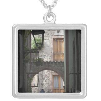 L'Italie, Sardaigne, Bosa. Détail de rue Collier