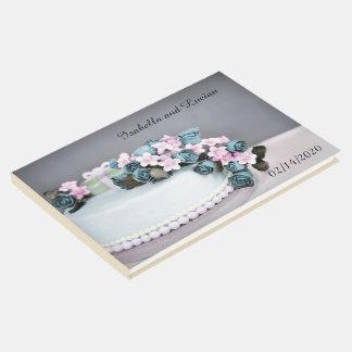 Livre d'invité de mariage de gâteau de rose de cru