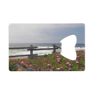 L'océan fleurit l'ouvreur de bouteille de carte de
