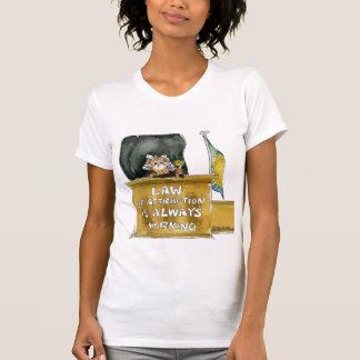 Loi d'attraction fonctionnant toujours le T-shirt