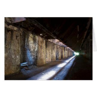 Lumière à l'extrémité du tunnel carte