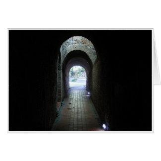Lumière à l'extrémité du tunnel carte de vœux