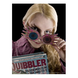 Luna Lovegood gluurt over Glazen Briefkaart