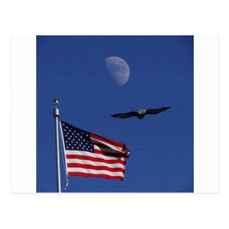 Lune Eagle de drapeau Carte Postale