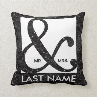 M. et Mme Ampersand Black Glitter Pillow Oreiller