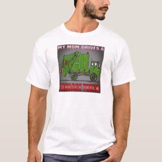 Ma maman conduit un T-shirt d'hommes verts de