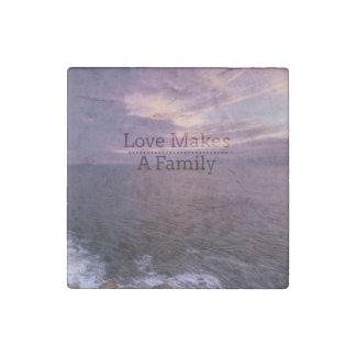 Magnet En Pierre L'amour fait une adoption de famille - accueil