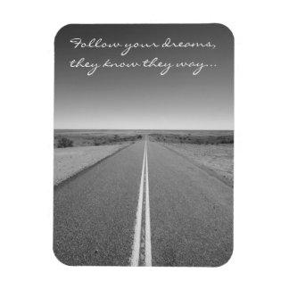 Magnet Flexible Suivez vos rêves - longue photo de route droite