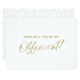 """Main d'or marquée avec des lettres """"vous serez mon carton d'invitation  12,7 cm x 17,78 cm"""