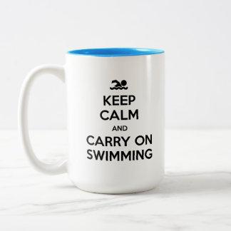 Maintenez calme et continuez nager la tasse de