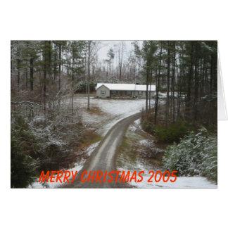 Maison de pays dans les bois avec la neige carte