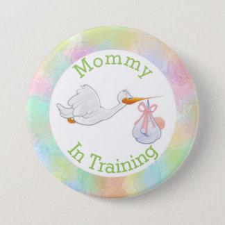 Maman en pastel dans la cigogne de formation avec badge rond 7,6 cm