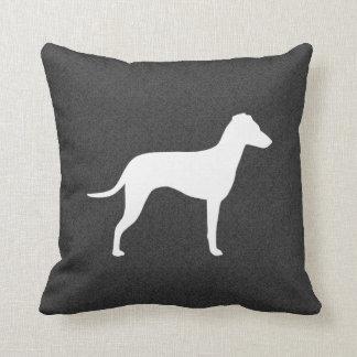 Manchester Terrier avec la silhouette naturelle Oreiller