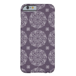 Mandala de prune coque iPhone 6 barely there