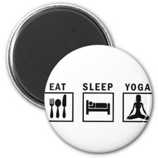 mangez le yoga de sommeil aimant