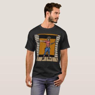 Manieur de pistolet au T-shirt 2 de salle