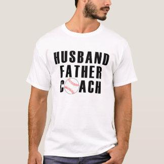 Mari, père, et T-shirt d'entraîneur