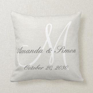 Mariage blanc de monogramme de sembler de toile coussin décoratif
