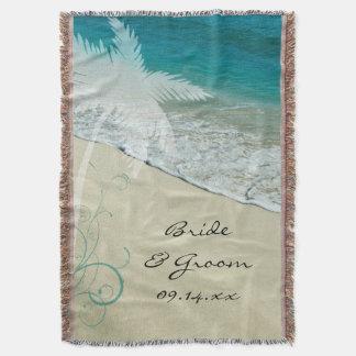 Mariage de plage tropical couvre pied de lit