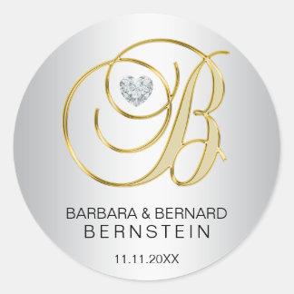 Mariage décoré d'un monogramme d'or argenté sticker rond