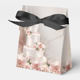 Mariage élégant de gâteau de mariage de rose de ballotin de dragées