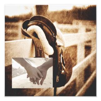 Mariage occidental rustique de selle de cheval de photographes