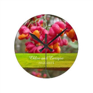 Mariage personnalisé par fleurs roses de fruit horloge ronde