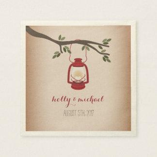 Mariage rouge inspiré de carte de lanterne de serviettes jetables
