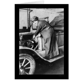 Mécanicien automobile 1925 de femme carte