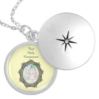 Médaillon Avec Fermoir Première conception d'ange de sainte communion