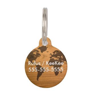 Médaillon Pour Animaux Carte du monde sur le grain en bois