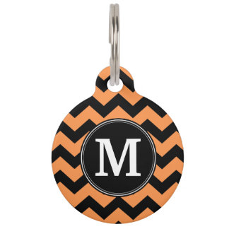 Médaillon Pour Animaux Monogramme noir et orange de chevrons de Halloween