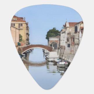 Médiators L'Italie, Venise. Vue des bateaux et des maisons