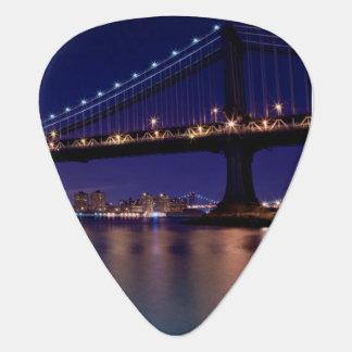 Médiators Vue de pont de Manhattan la nuit