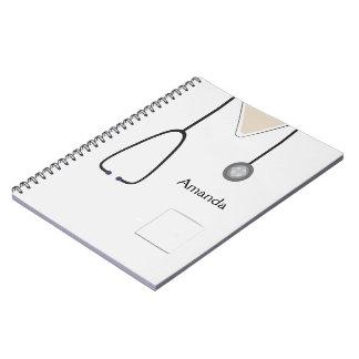 Médical frotte le carnet blanc