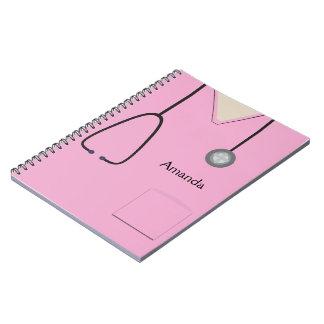 Médical frotte le carnet rose