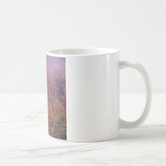 Mélange d'automne d'arbres de nature mug