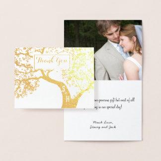 Merci de mariage d'arbre d'initiales de feuille carte dorée