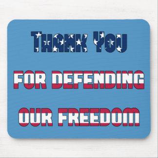 Merci patriotique pour défendre notre liberté tapis de souris