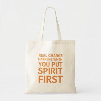 Mettez le premier sac fourre-tout à esprit