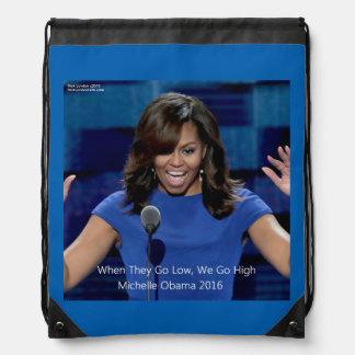 """Michelle Obama """"nous passons à 1"""" sac à dos de"""