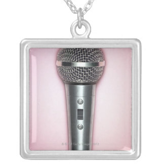 Microphone de chrome collier