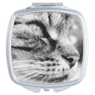 Miroir compact avec l'image noire et blanche de