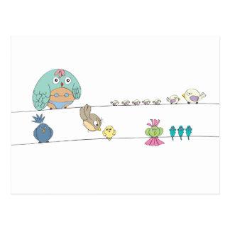 Mme Bikini et oiseaux sur une ligne carte postale