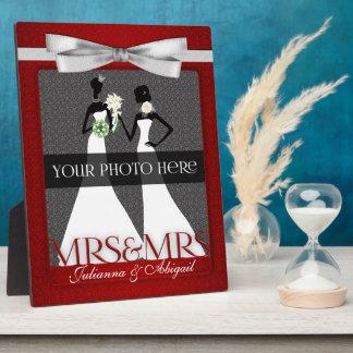 Mme et cadre de Mme Lesbian Gay Wedding Photo en r Plaques D'affichage