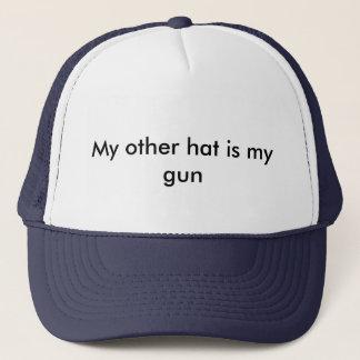 Mon autre casquette est mon arme à feu